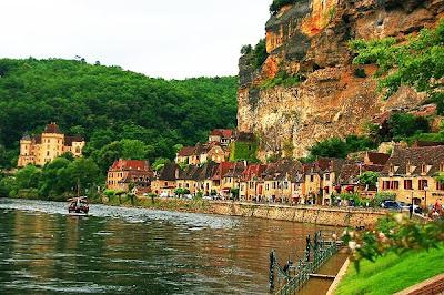 http://galazioneiro.blogspot.gr/, La Roque Gageac, Γαλλία