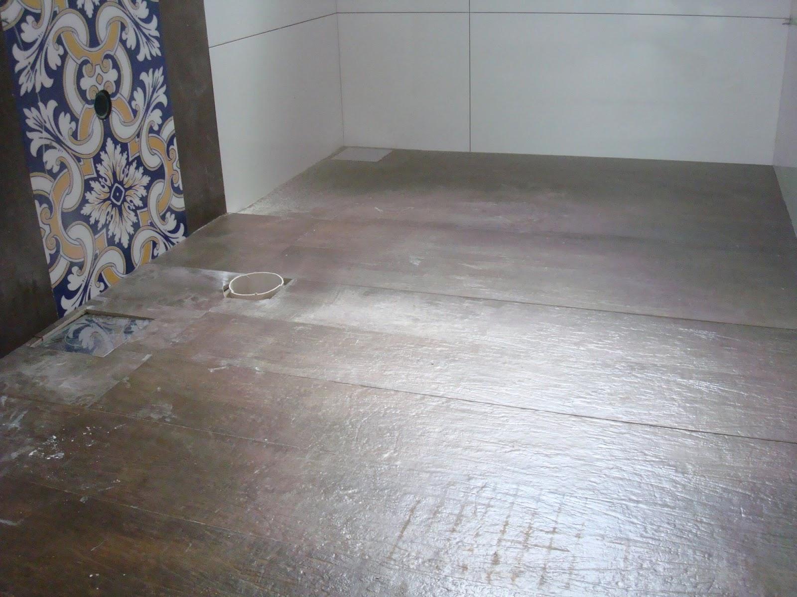 Construindo um Castelinho: Qual o Porcelanato? #46495B 1600x1200 Banheiro Com Porcelanato Rustico