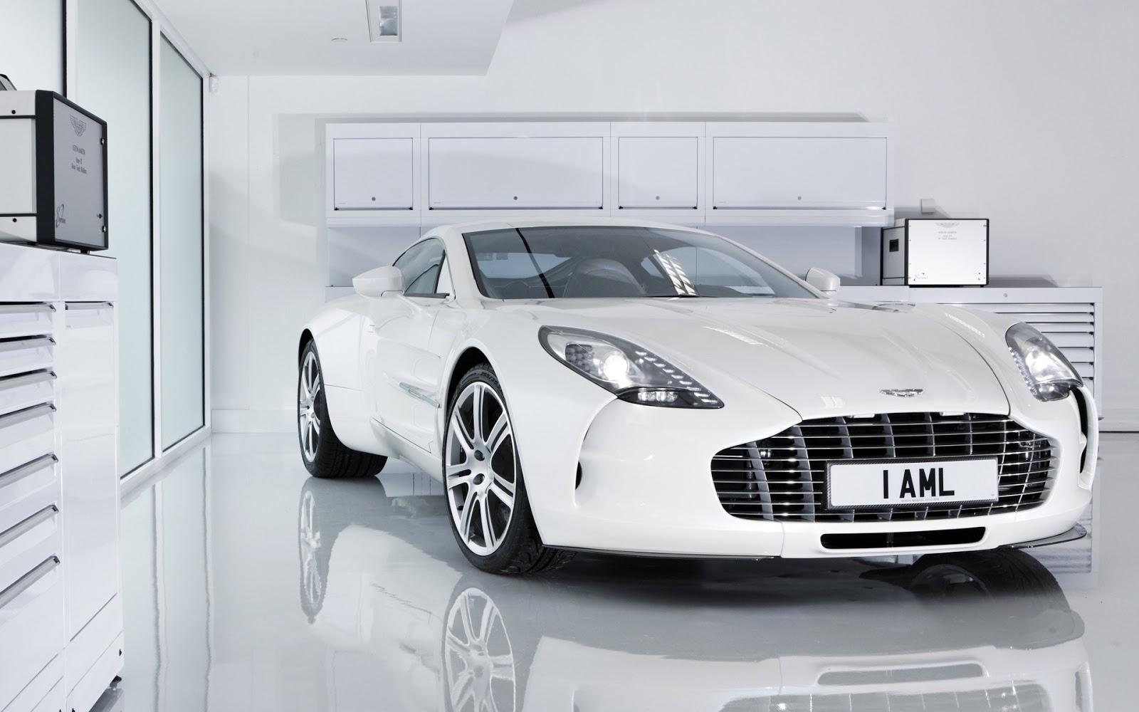 Aston Martin White I AML