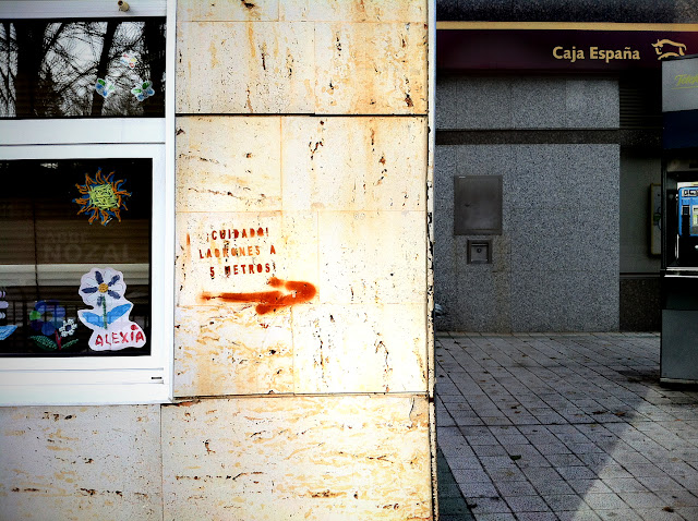 Pintada: Cuidado, ladrones. 2012 Abbé Nozal