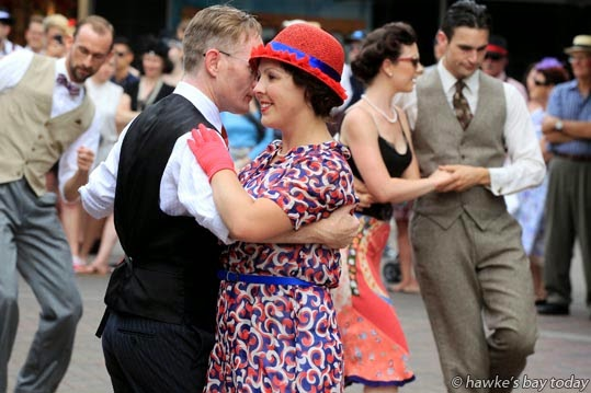 L-R: James Guidera, Amy Burt, from Full Swing, Wellington, jazz in Market St, Napier. photograph