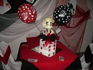 Centros de Mesa para Fiestas de 15 Años Estilo Casino