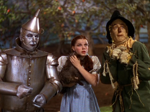 wizard of oz analysis Analysis victor fleming's the wizard of oz is a lavish, beautiful film the painted backdrops are stunning the sets are vibrant and colorful the emerald city is a.