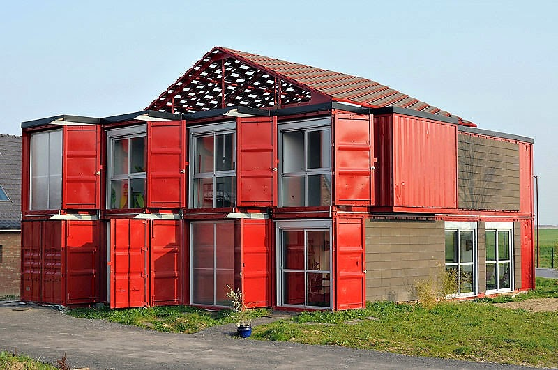 Maison Container, Casa de Dos Plantas con Contenedores Reciclados