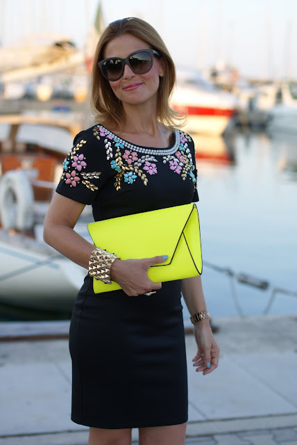 summer elegant outfit, black beaded dress, abito perline, Dolce & Gabbana sunglasses, Chi Chi regina dress, neon yellow clutch, Fashion and Cookies