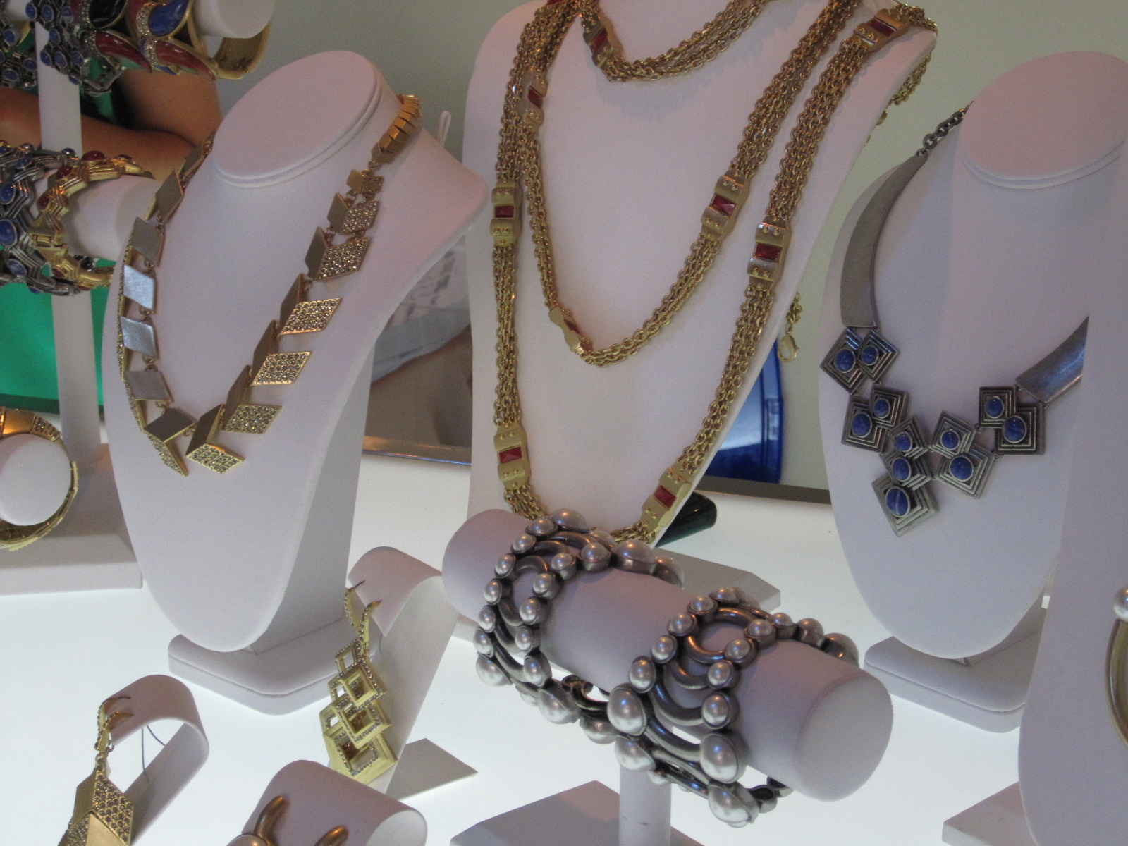 Discover The Hottest Jewelry With Lia Sophia The Knack