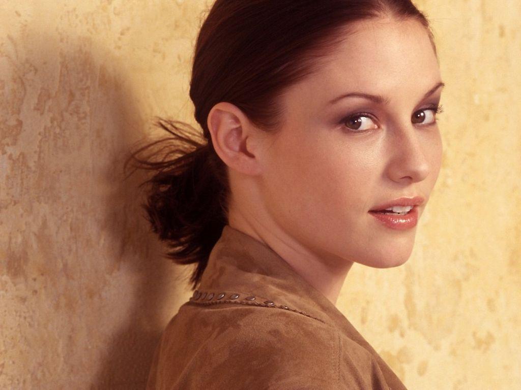 Laurel Holloman born May 23, 1971 (age 47)