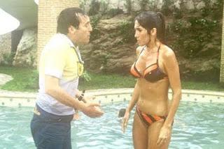 dona florinda meza de biquini na piscina, seriado chaves, El Chavo del Ocho