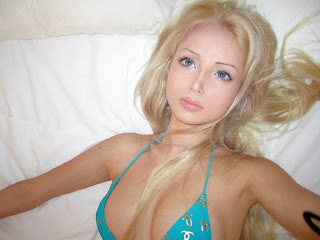 Valeria+Lukyanova 9 Gadis Tercantik di Dunia Yang Mirip Boneka Barbie