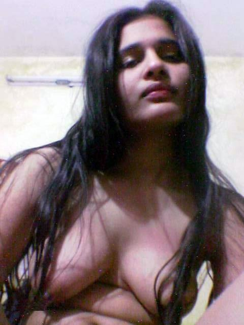 desi girl pooja getting naked and showing boobs and cunt   nudesibhabhi.com