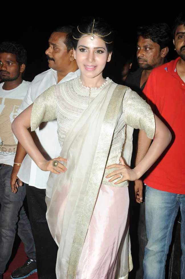 Actress Samantha In Anamika Khanna's Saree