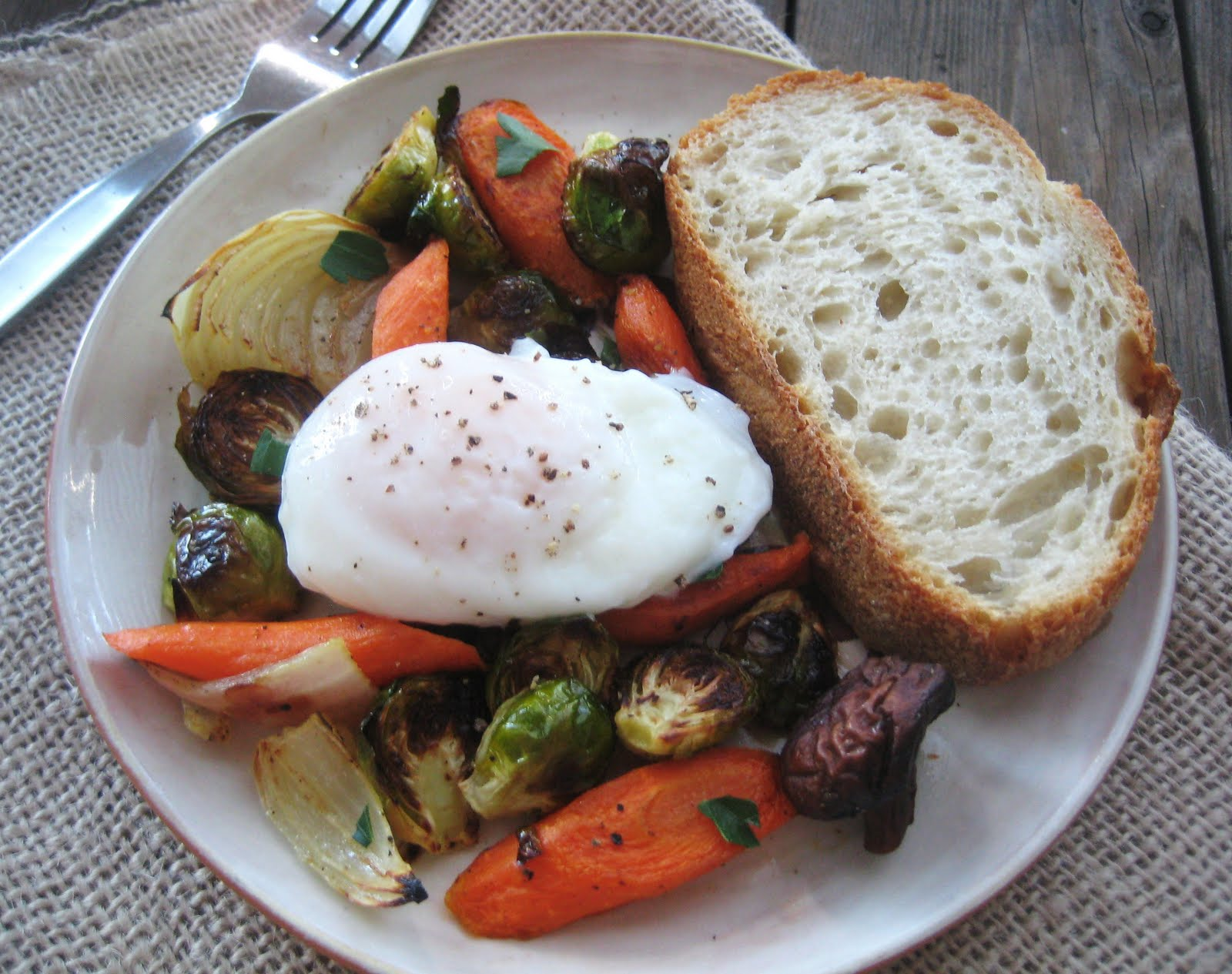 My Fare Foodie.: Poached Eggs Over Roasted Vegetables