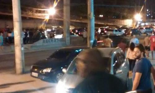 Motoristas ficam em pânico por causa de arrastão na Avenida Brasil, no Rio
