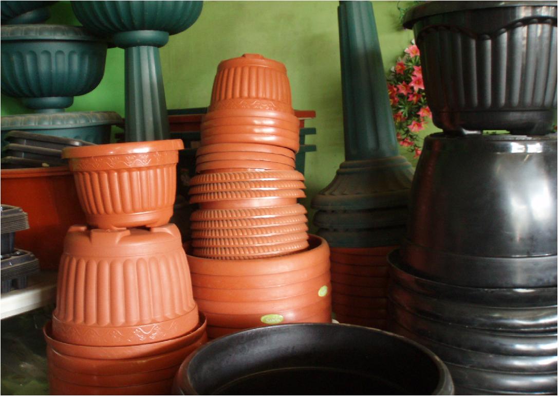 Jenis Pot Bunga Berbahan Plastik