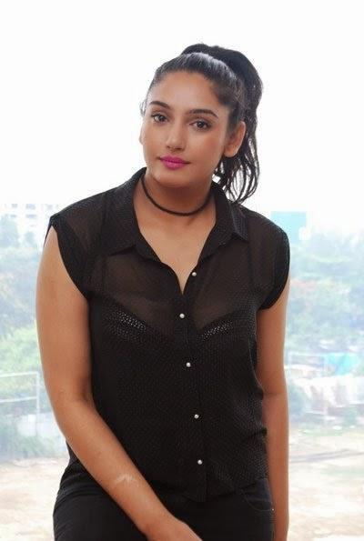 Femina-Miss-India-2008-Runner-Up-Ragini-Dwivedi-Hot-Photoshoot
