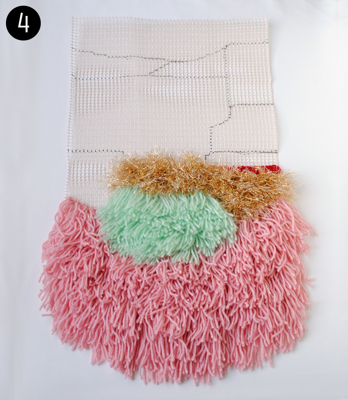 DIY Hand-Knotted Wall Hanging Tutorial | www.thegatheredhome.com #latchhook #wallhanging