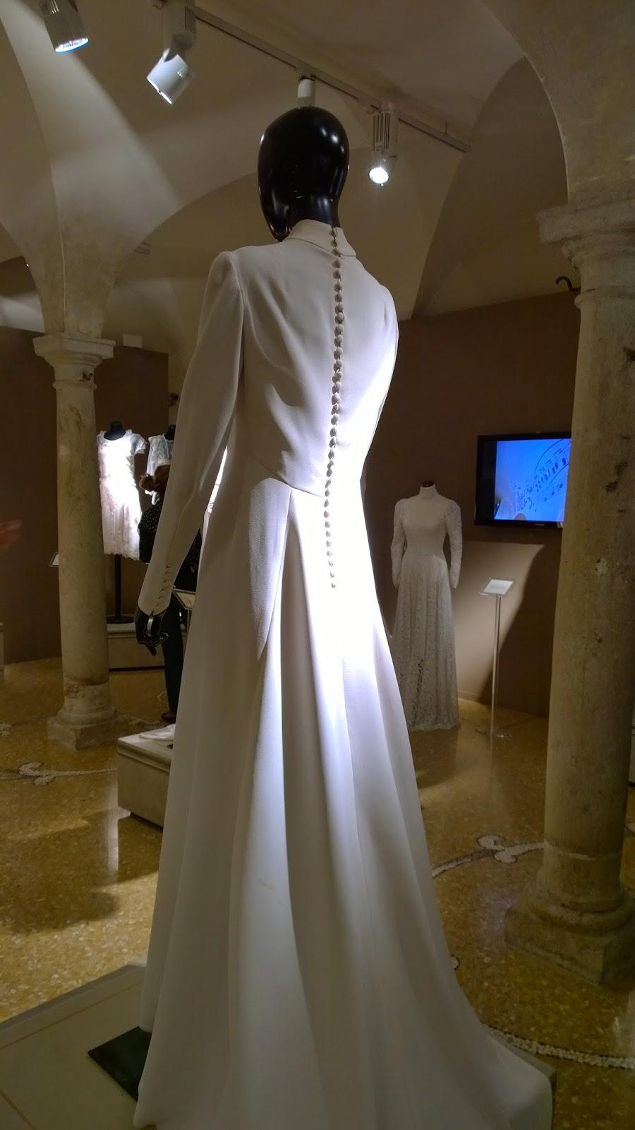 Wedding dress - 1973 - backside