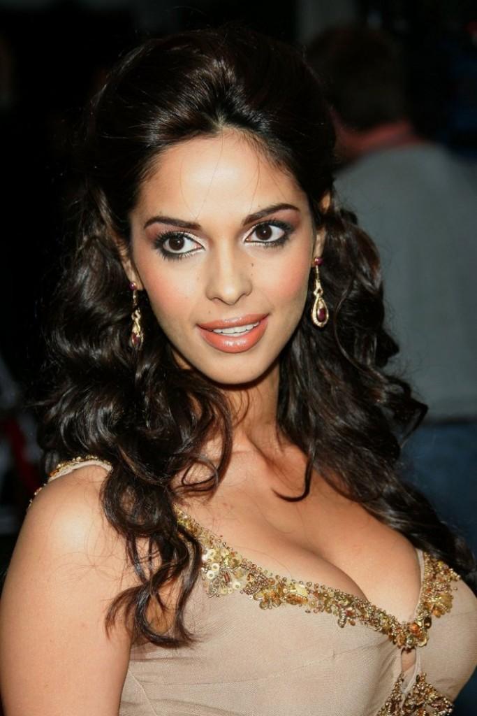 actresses photos actress mallika sherawat new latest stills
