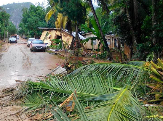 Video kesan banjir di Gua Musang, Disember 2014