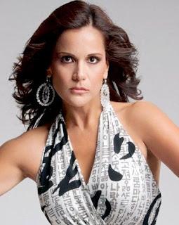 Mónica Sánchez con maquillaje