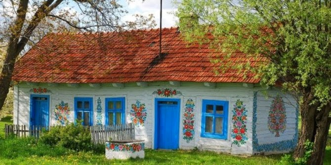 Desa warna-warni