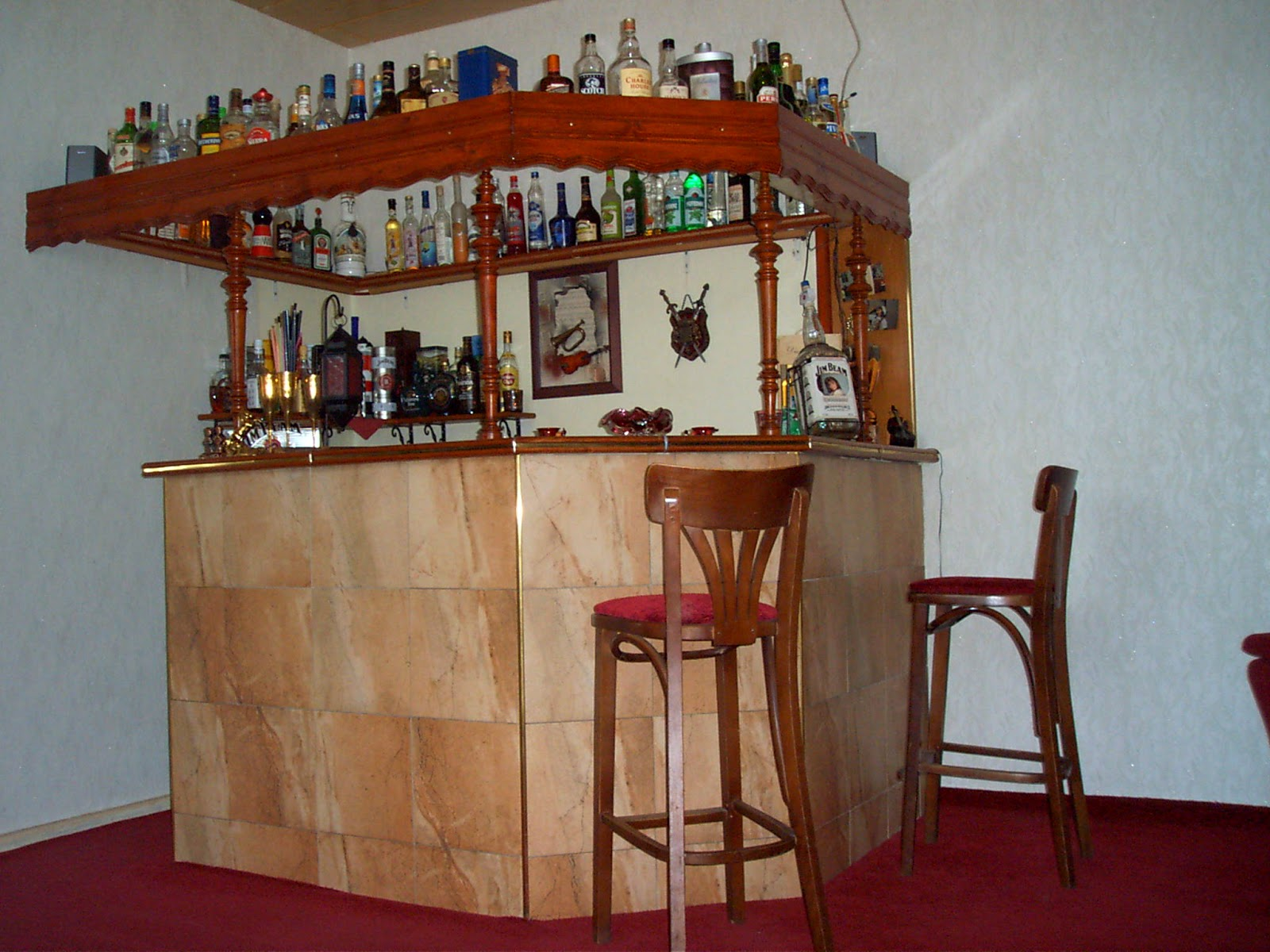 Dise o y decoraci n de la casa bar moderno de dise o for Bar en casa rustico