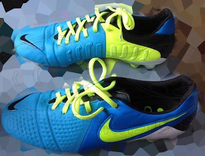 [Imagen: Nike-CTR-360-Current-Blue-Volt-Black-Pic-New-3.jpg]