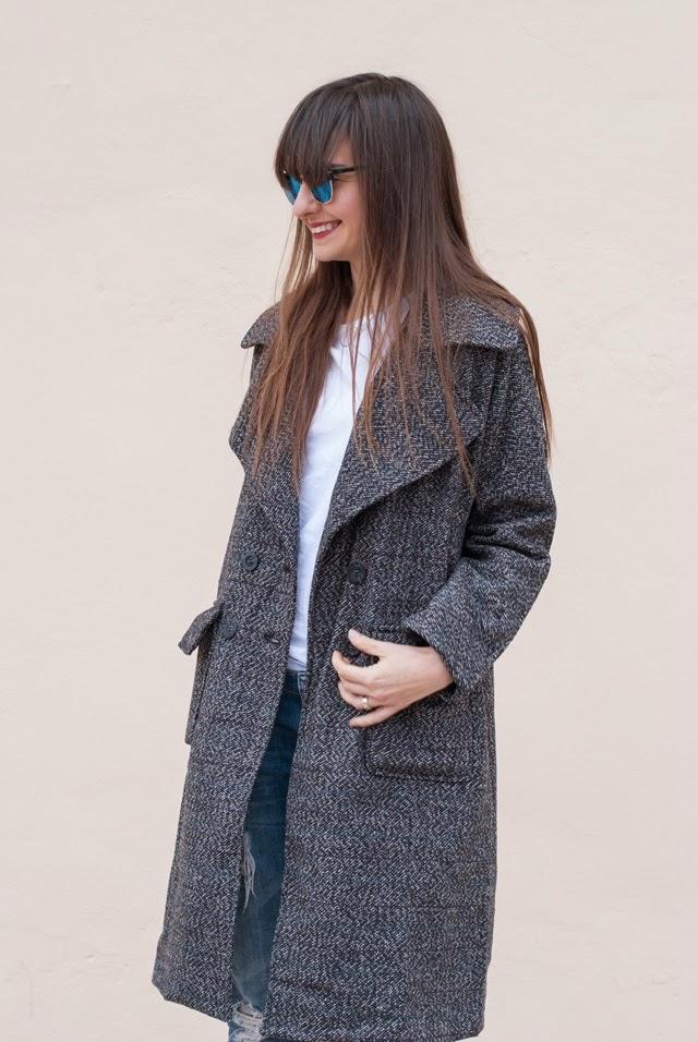 Look streetstyle con abrigo de www.Fecbeck.com