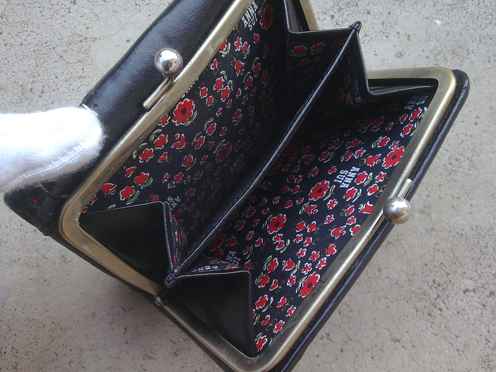 D0rayakeebag Anna Sui Black Leather Wallet Sold