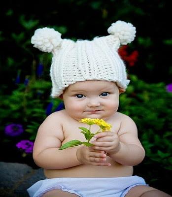 Photo d'un ange qui vous offres une rose