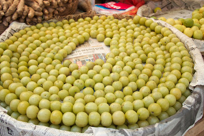 Indian gooseberries (nellikayi)