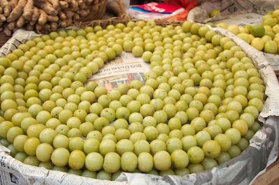 Indian gooseberries (nellikayi)
