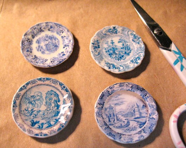 I just received some wonderful little blue and white plates from Australian artisan Carrie Lavender who sells through her shop A Lavender Dilly on Etsy. & The Tudor / Medieval / Jacobean / Queen Anne Dollhouse Project ...