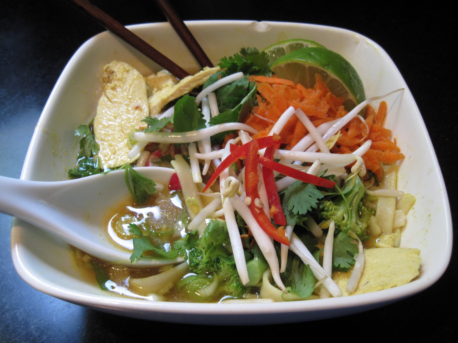 the accidental kitchen: noodle bowl with green curry broth