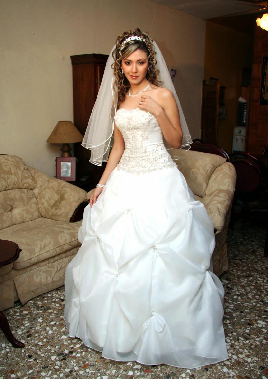 Vestidos de novia tipo quinceanera