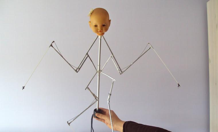 """Ahora os quiero presentar a las """"Arturañas"""",unas criaturas hechas con paraguas,coladores,cazos...."""