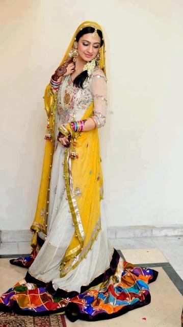 Pakistani Bridal Mahndi Dresses Collection 2013 Photos