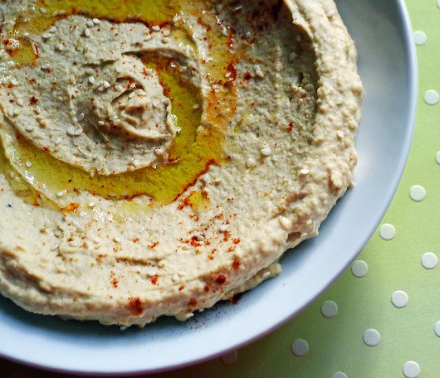 Cooking Weekends: Roasted Garlic Hummus