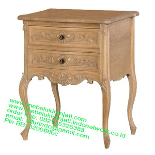 Mebel jepara mebel jati jepara mebel jati ukiran jepara nakas jati ukir klasik cat duco classic furniture jati jepara code NKSJ 121 NAKAS UKIRAN JATI JEPARA