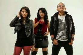 Lirik lagu kotak - I Love You