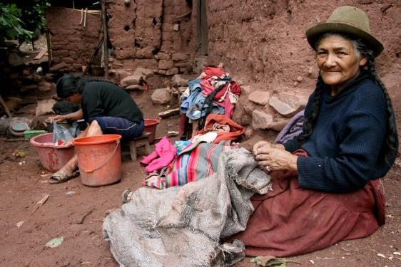 Resultado de imagen para mujeres en la pobreza