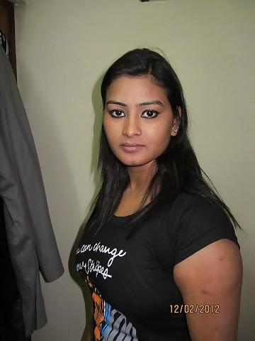 hot bhabhi bad hotel scane   nudesibhabhi.com