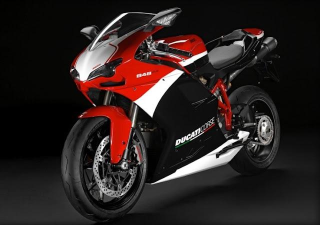 2013 Ducati 848 EVO | MANUAL MOTORCYCLE