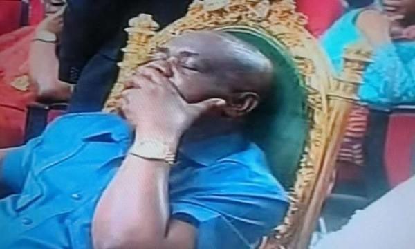 Nyesom Wike  sleeping in public