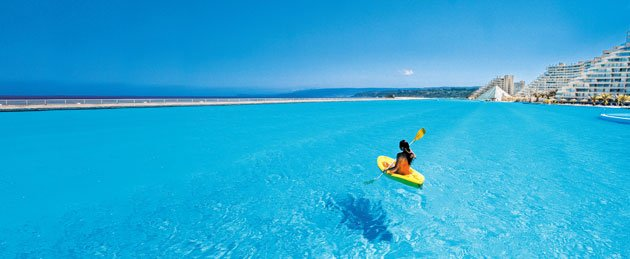 World largest outdoor swimming pool san alfonso del mar holiday 4 u for Largest swimming pool in the world chile