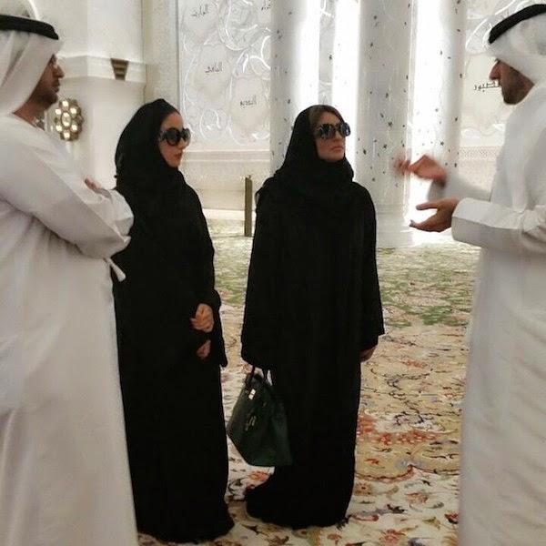 بالصور شذى حسون تزور مسجد الشيخ زابد مرتدية حجابها, أخبار شذى حسون, صور شذى حسون,