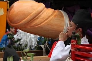 ... -aneh.blogspot.com - Festival Penis Terbesar Dan Terpanjang Di Jepang