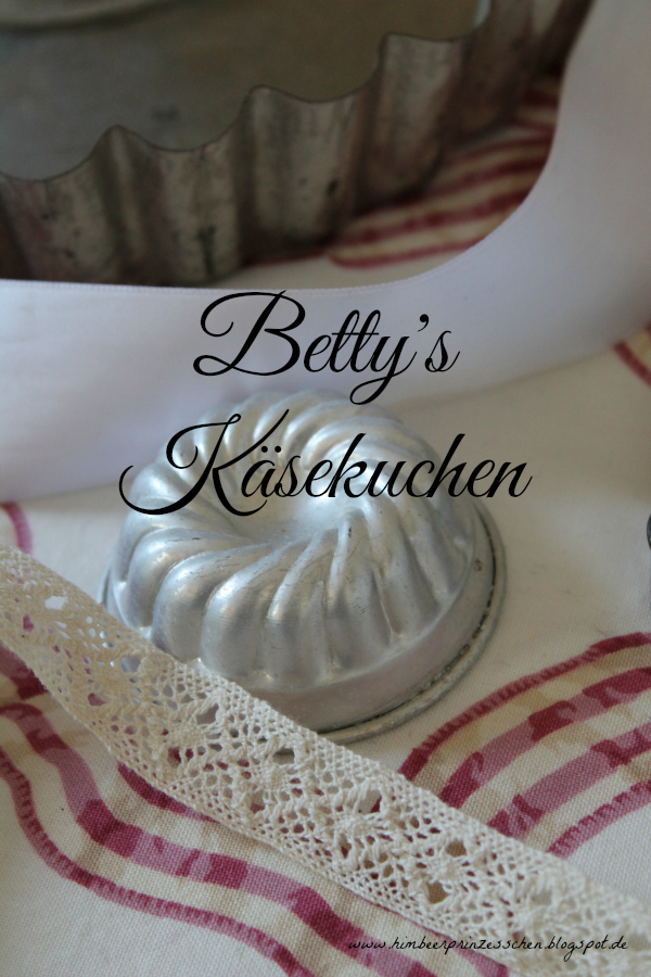 Betty's Käsekuchen Alles Käse Himbeerprinzesschen Tortenplatte Backformen Keksausstecher weltbester Käsekuchen