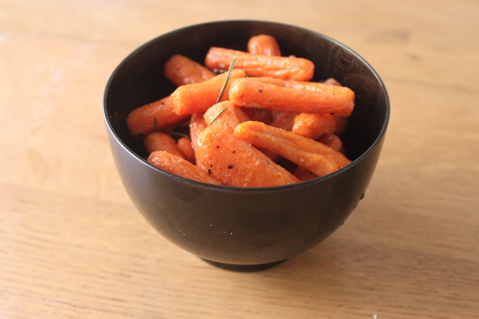 Domestic Divas Blog: Honey Rosemary Baby Carrots