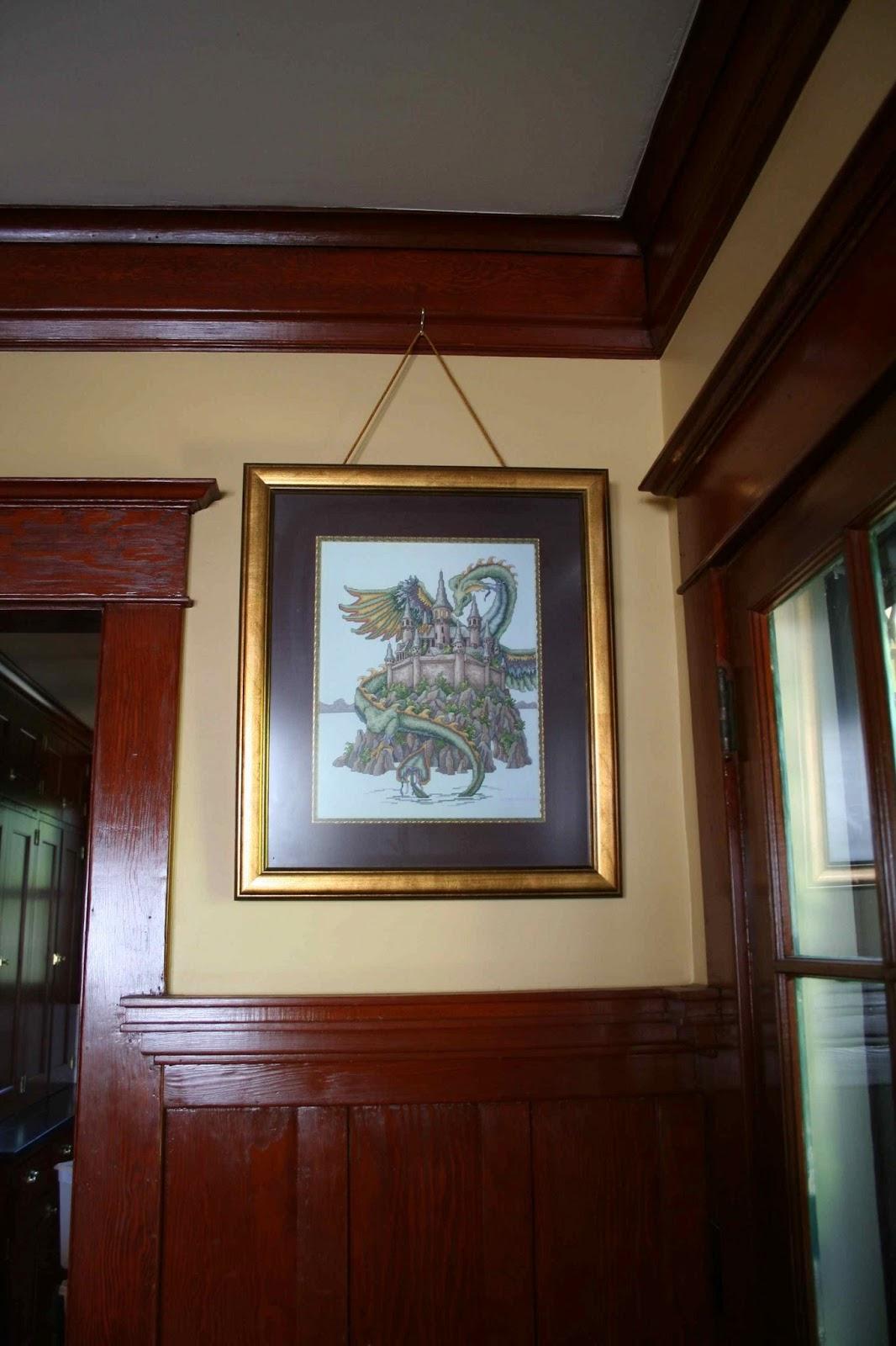 Laurelhurst craftsman bungalow picture hanging adventures for Craftsman picture rail